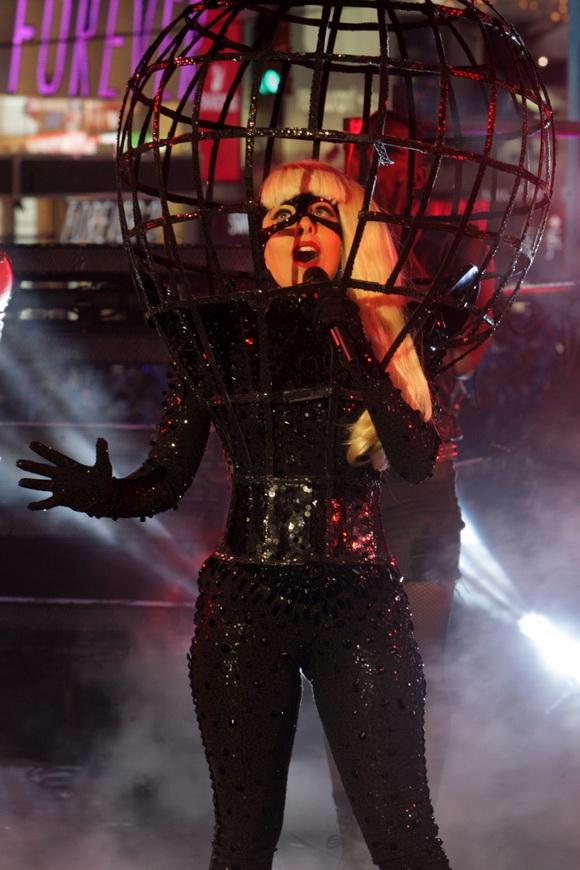 Lejdi Gaga na koncetu