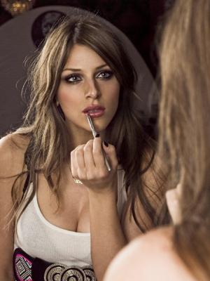 Nena Ilić: predlozi za novogodišnji make up