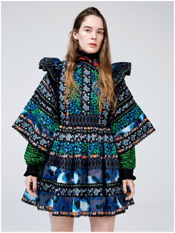 Anna of the North u ekskluzivnoj KENZO x H&M haljini