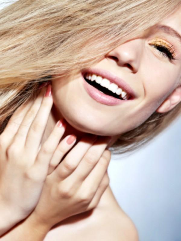 Kako da zaštitite kosu tokom leta