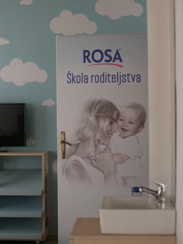 Ukupno 10 Rosa Škola roditeljstva za sigurnost porodice