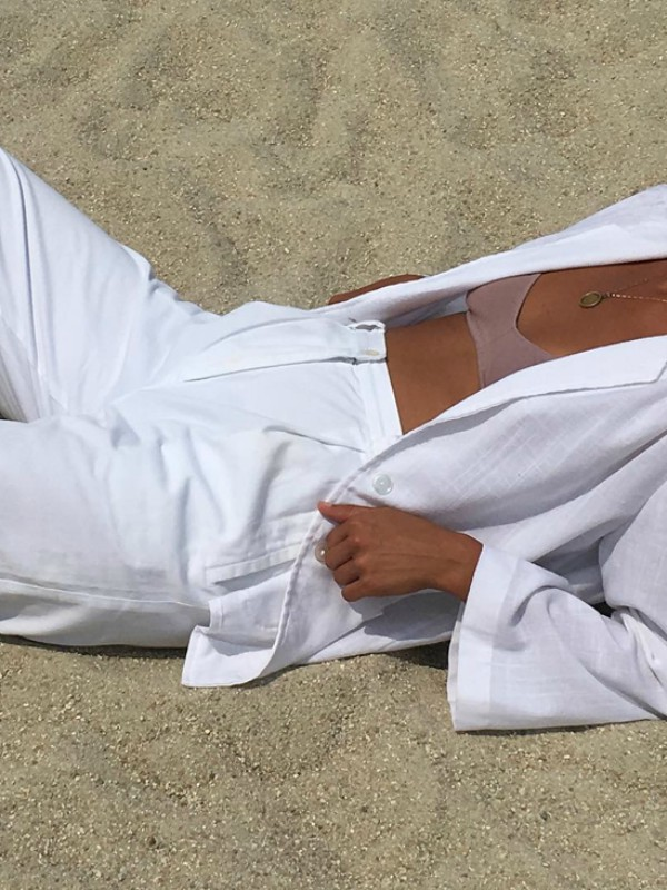 Bele pantalone – i na plaži i u gradu