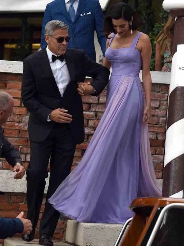 Najbolji look-ovi Amal Kluni posle porođaja