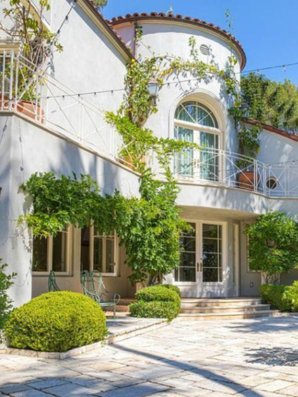 Kejti Peri prodaje kuću u Los Anđelesu