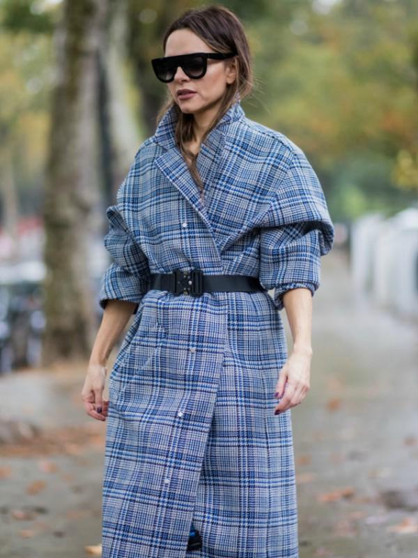 Street style: kako nositi karirani kaput ove zime