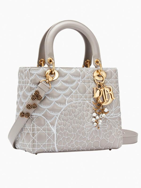 9 umetnika i pesnika predstavili svoje verzije Lady Dior torbe