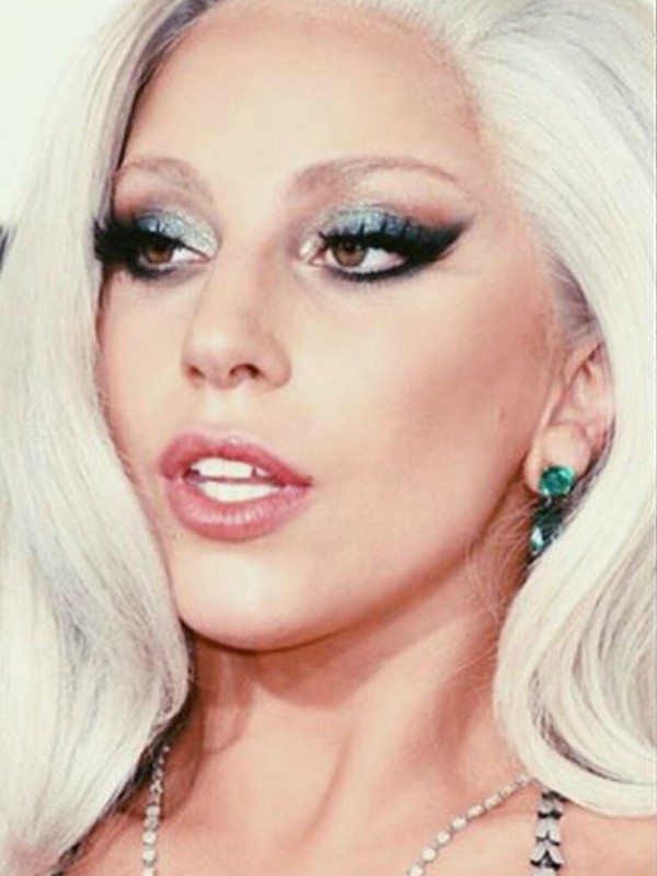 Ametist Rouz - tinejdžerka koja izgleda kao Lejdi Gaga