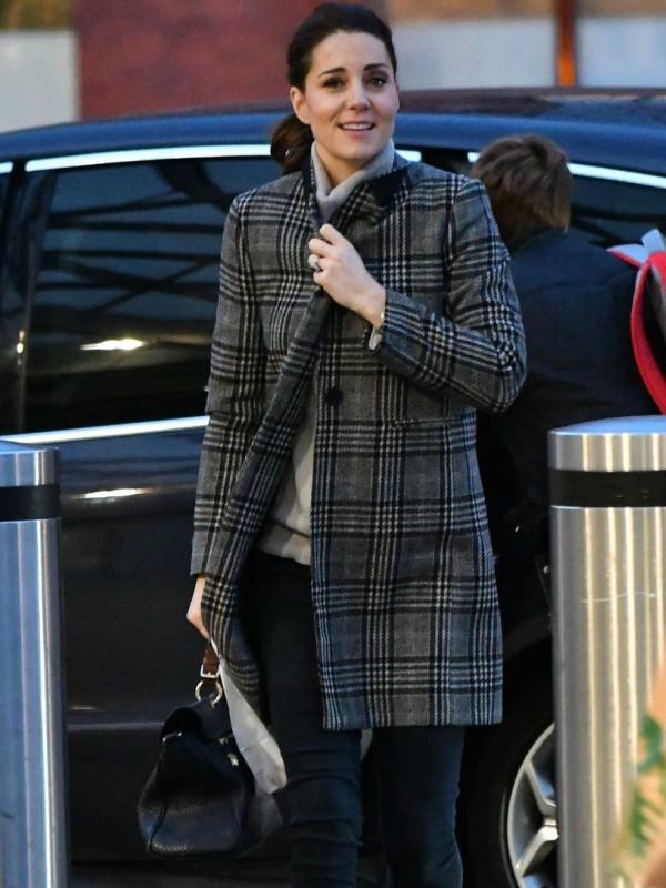Look dana: Kejt Midlton u Zara kaputu