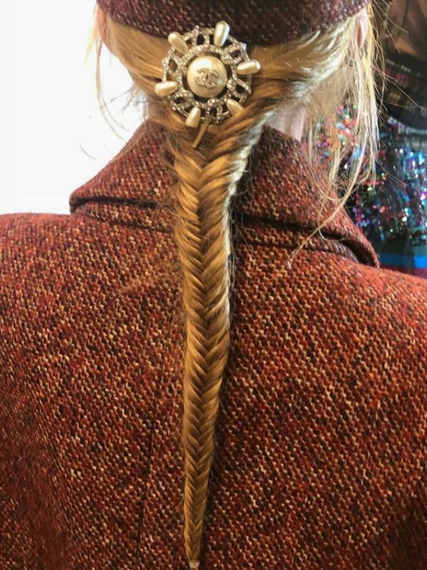 Ideje za svečane frizure sa revije Chanel Metiers d'Art