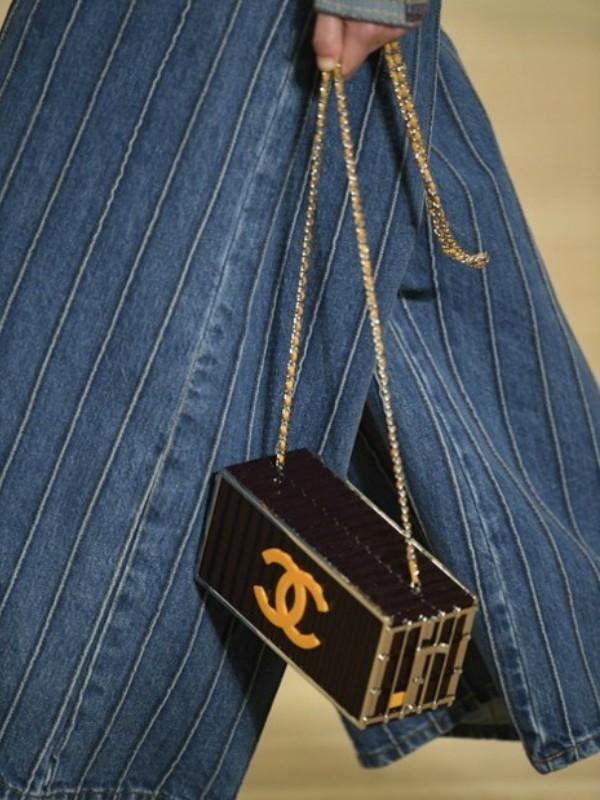 20 neobičnih torbi Karla Lagerfelda za Chanel