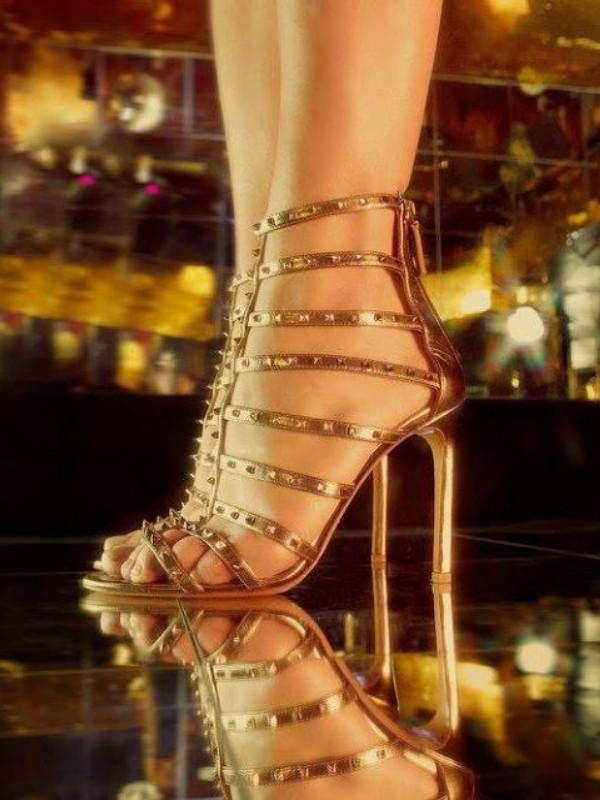 Valentino Rockstud & Lovestud kolekcija sandala