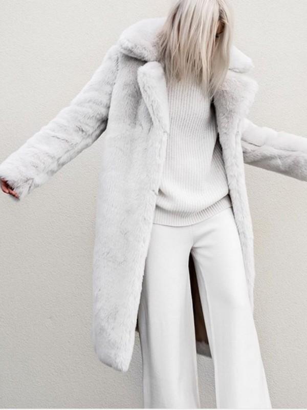 Kako nositi jednobojnu odeću na vrlo moderan način
