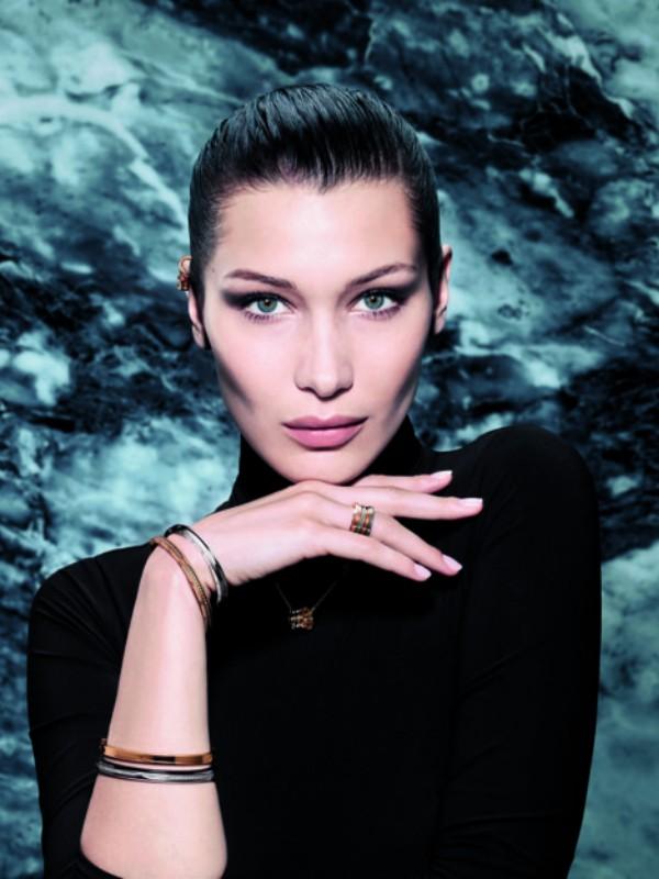 Bela Hadid reklamira nakit iz nove kolekcije Bvlgari
