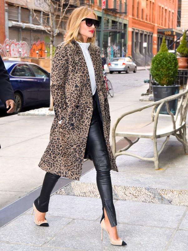 6 predivnih look-ova Rouzi Hantington-Vajtli u Njujorku