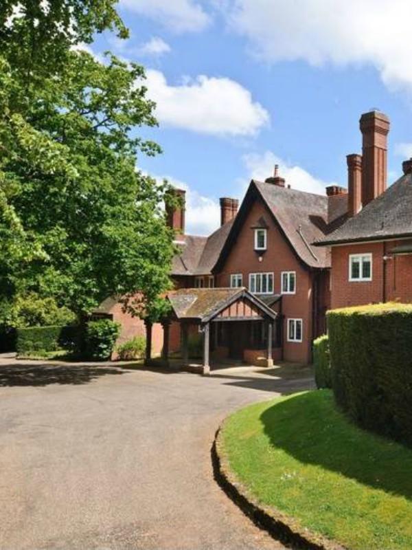 Pevačica Adel prodaje svoj dom