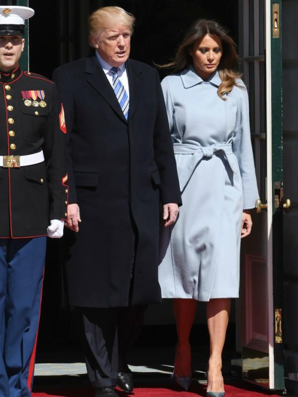 Melanija Tramp u plavom Max Mara kaputu