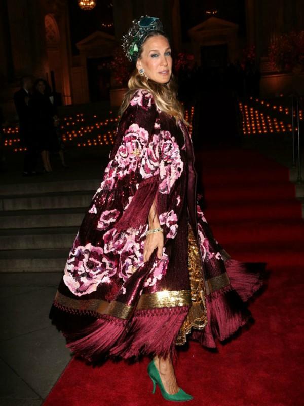 Look dana: Sara Džesika Parker u Dolce & Gabbana kaputu