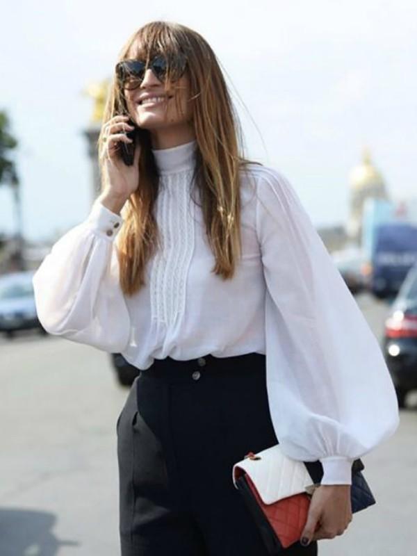 Trend sezone: bele bluze sa čipkom i karnerima