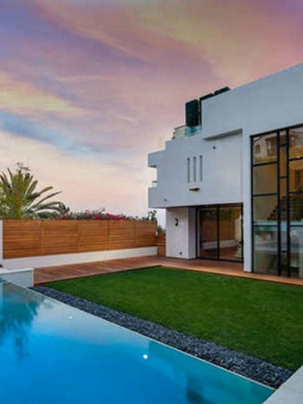 Nova kuća Tajre Benks sa pogledom na okean