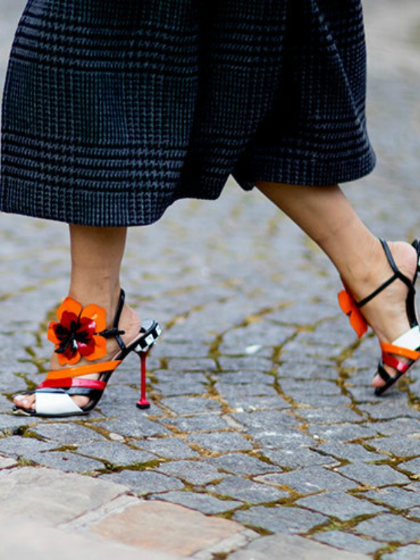 12 pari sandala na kojima bi vam zavidela i Keri Bredšo