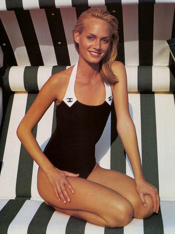 15 crno-belih kupaćih kostima koje ćete voleti ovog leta