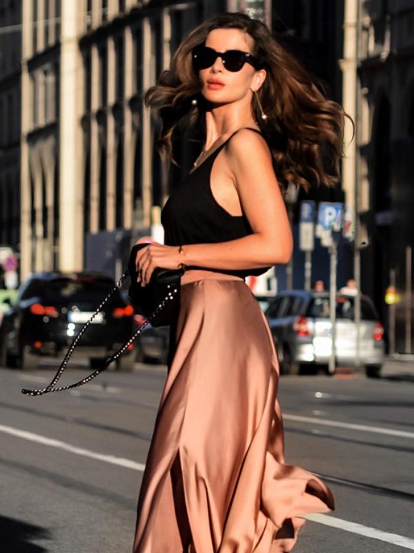 Izgledajte ženstveno u svilenim suknjama