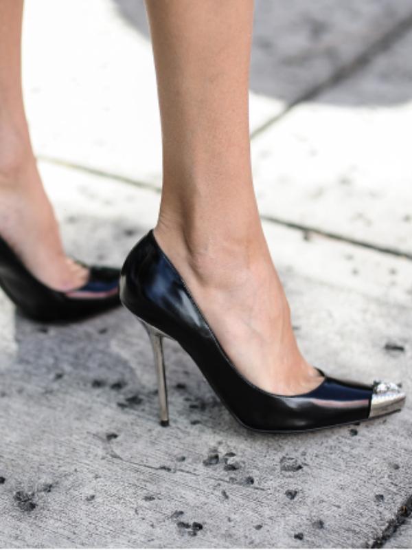 U rok stilu: 10 pari cipela sa metalnim dodacima