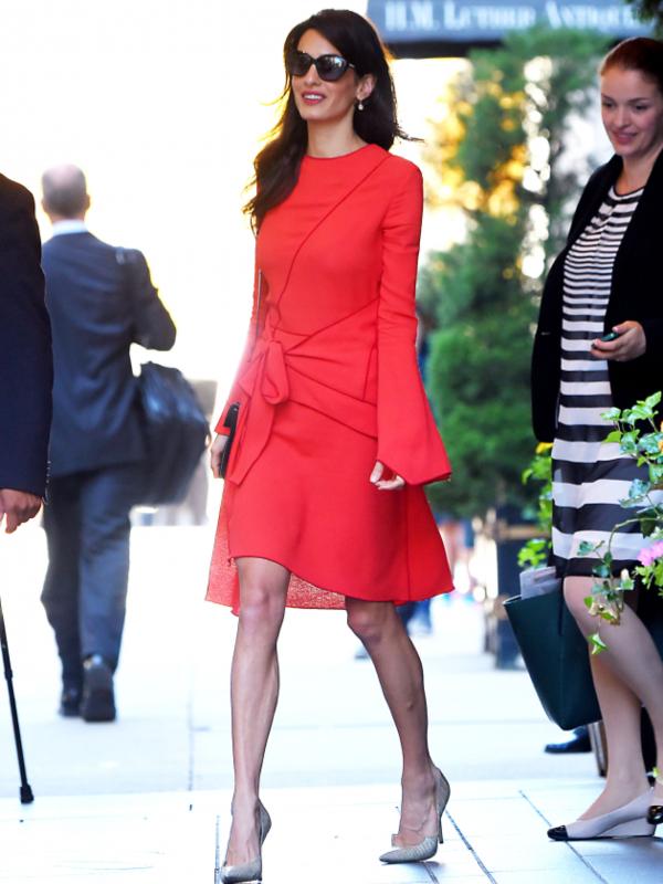 8 poslovnih stajlinga Amal Kluni koje vredi ponoviti ove jeseni