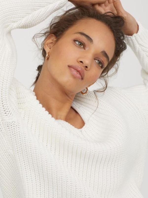15 džempera u krem boji za moderan jesenji stajling