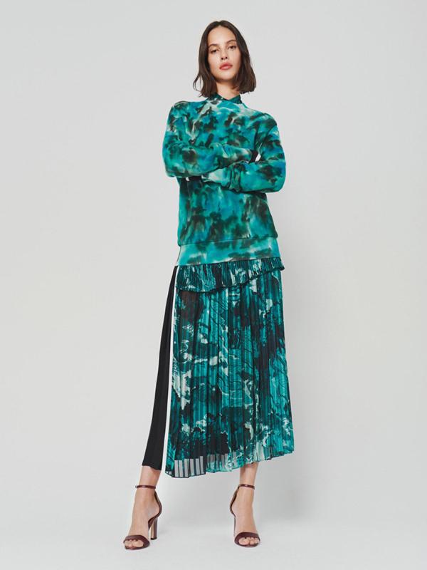 25 ženstvenih odevnih komada u novom lookbook-u Victoria Beckham