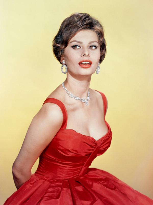 Garderoba Sofije Loren: italijanski šik u stilu Dolce Vita
