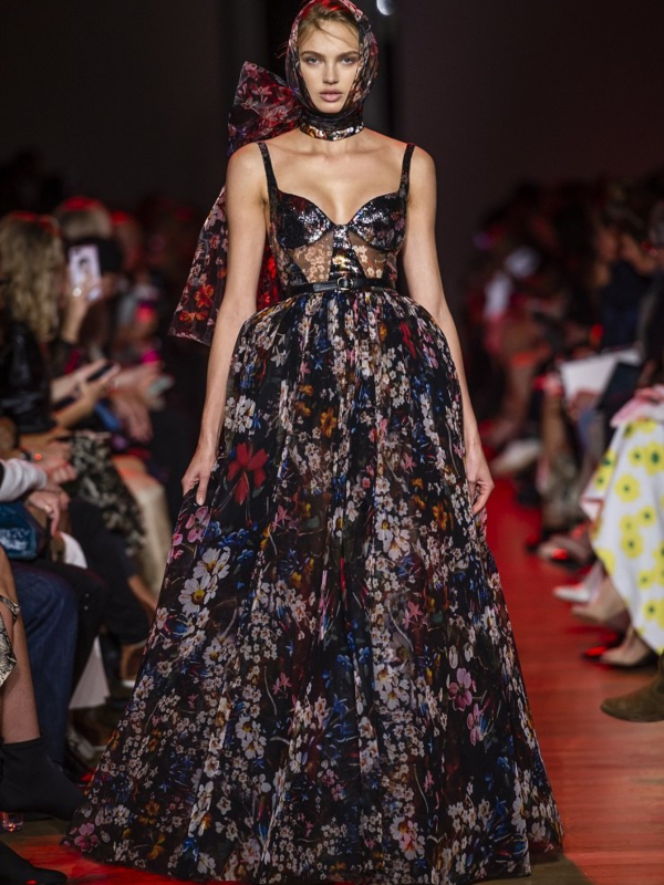 Oda ženstvenosti: elegantna kolekcija Elie Saab proleće/leto 2019