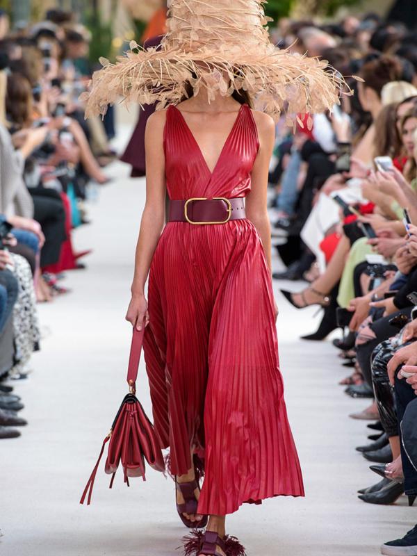 Luksuz i francuski šik – Valentino kolekcija proleće/leto 2019