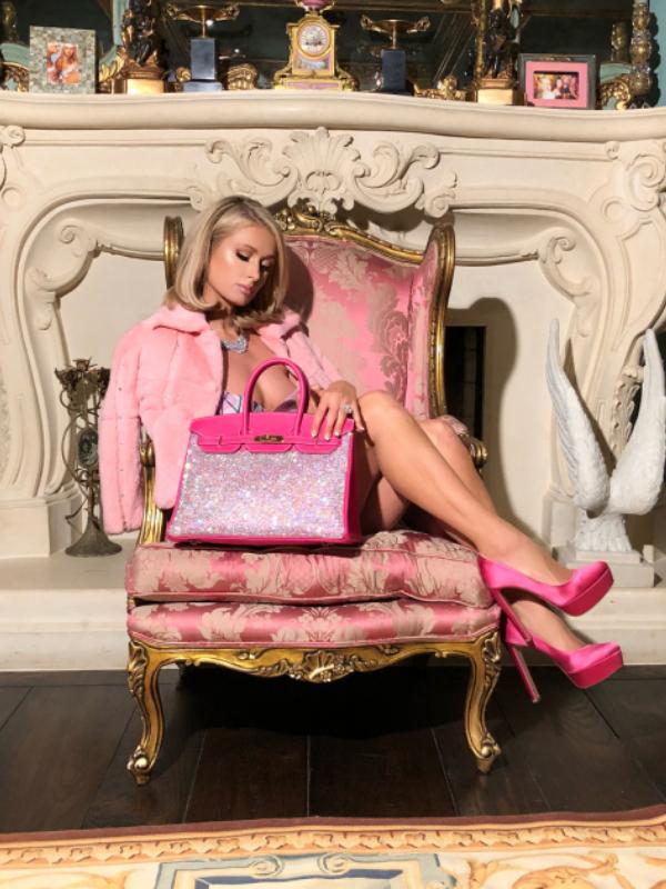 Odevni komadi u stilu Paris Hilton koji se vraćaju u modu