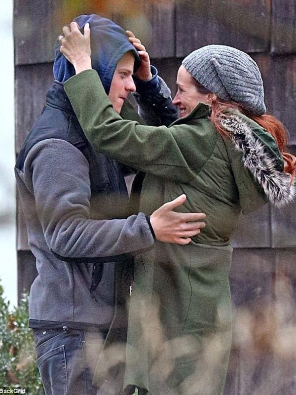 "Prvi trejler - Džulija Roberts u novom filmu ""Ben is Back"""