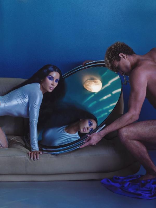 Kim Kardašijan u novoj kampanji KKW Beauty