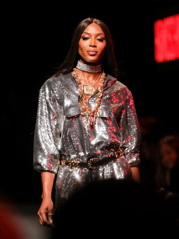Moschino [TV] H&M modna revija: poznate ličnosti, supermodeli i iznenađenja