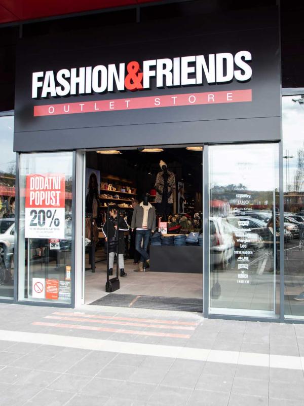 Otvoren prvi beogradski FASHION&FRIENDS outlet u CAPITOL centra Rakovica!