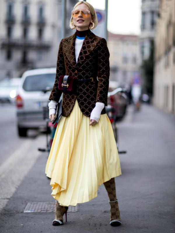 Kako nositi plisiranu suknju ove sezone