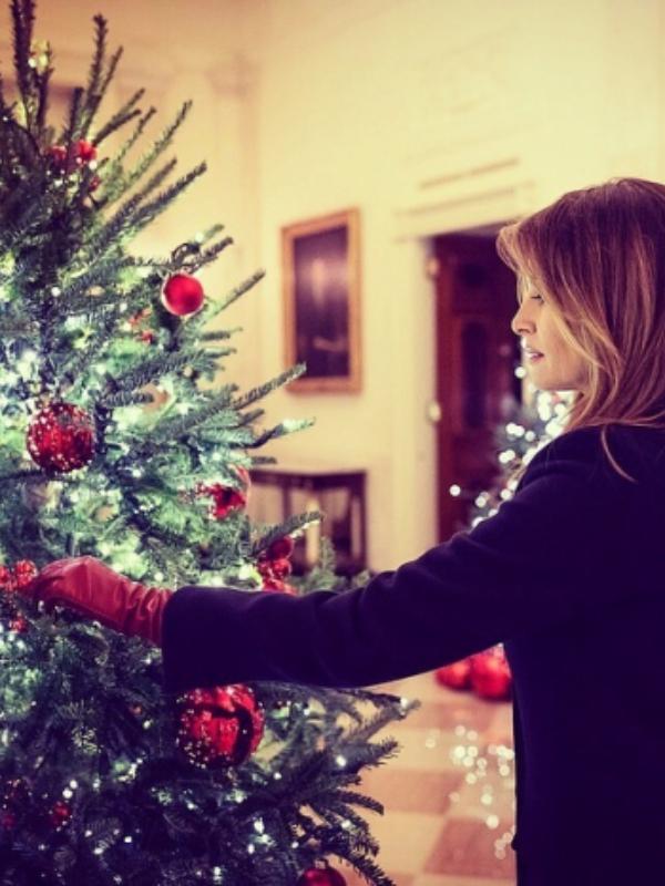 Stvarna bajka: kako je Melanija Tramp ukrasila Belu kuću za Božić