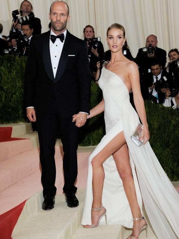 Sve što znamo o predstojećem venčanju Rouzi Hantington Vajtli i Džejsona Stejtama