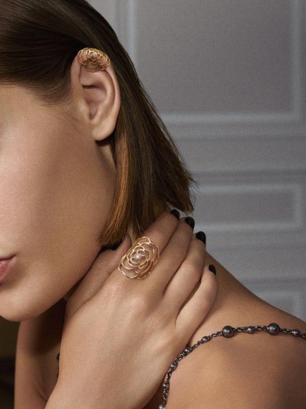 Kamelija cveta zimi: nova kolekcija nakita Chanel