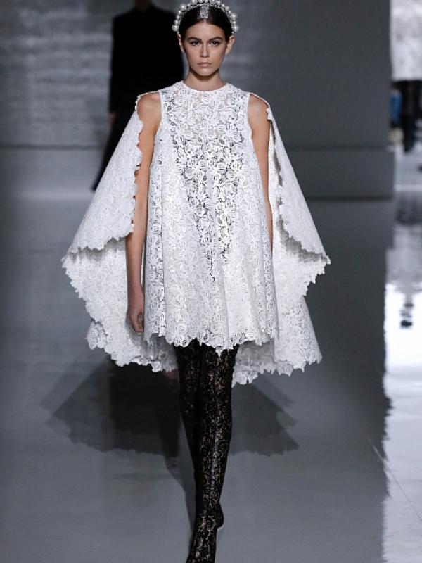 Raznobojne rese i nadrealne mašne u kolekciji Givenchy Haute Couture