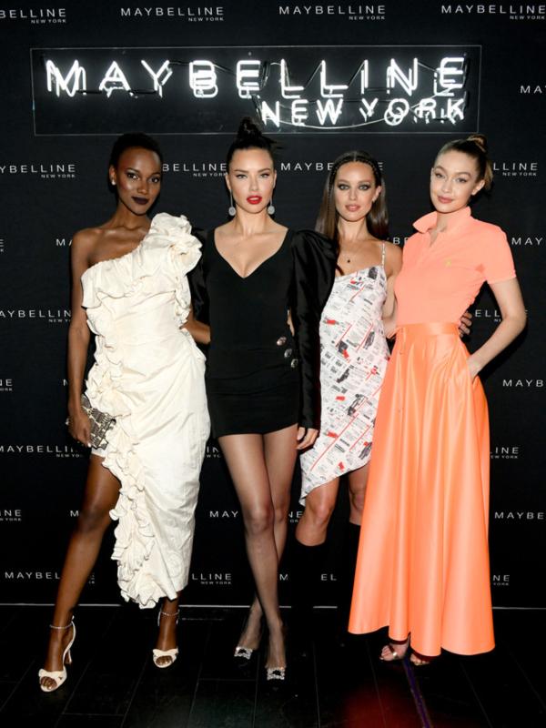 Điđi Hadid, Adriana Lima i drugi modeli na Maybelline partiju