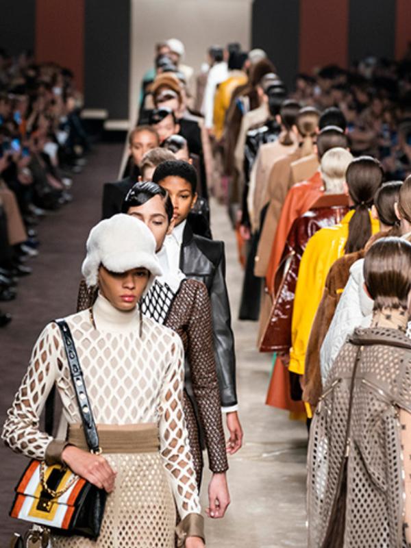 Najnovija kolekcija Fendi koju je kreirao Karl Lagerfeld