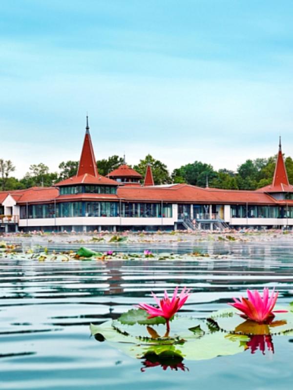 Putovanje u bajku: 5 legendi o mađarskom jezeru Heviz