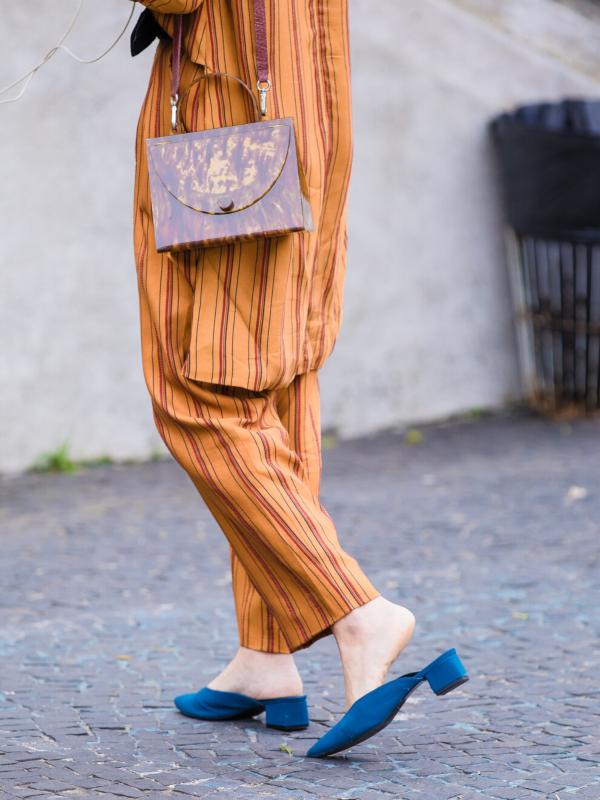 Trend: papuče sa geometrijskom potpeticom