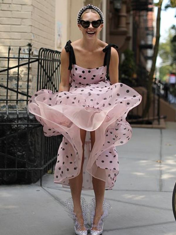 U trendu: kako nositi haljine sa tufnicama ovog leta