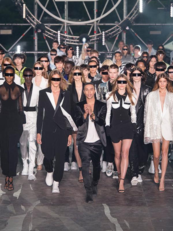 Holografske jakne, transparentne haljine i metalik pantalone u novoj kolekciji Balmain