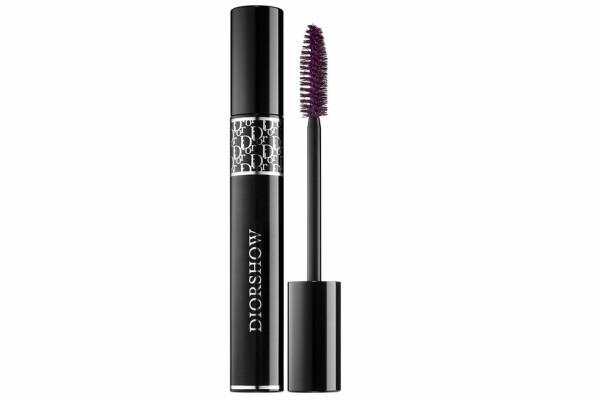 Za upečatljiv makeup look: maskara u boji